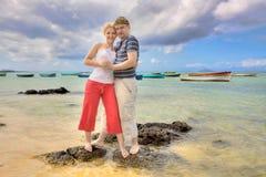 Glückliche romatic Paare lizenzfreie stockbilder