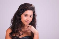 Glückliche schöne junge Frau stockbilder