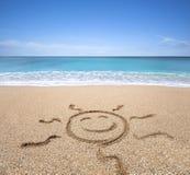 Glückliche Sonne auf dem Strand Lizenzfreies Stockfoto