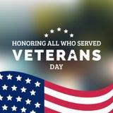 Glückliche Veteranen-Tagesbeschriftung mit USA kennzeichnen Vektorillustration 11. November Feiertagshintergrund Feierplakat Stockbild