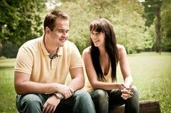 Glückliche Zeit - junges Paar zusammen Stockbild