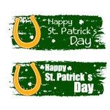 Glücklichen St Patrick Tag mit Hufeisenzeichen, grünen gezogene Fahnen Stockbild
