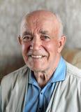 Glücklicher älterer Mann stockfotografie
