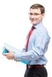 Glücklicher Buchhaltungsleiter mit einem Ordner von Dokumenten auf einem Weiß Lizenzfreie Stockfotografie