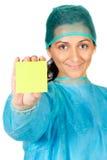 Glücklicher Doktor mit setzen innen in der Hand voraus Lizenzfreie Stockfotos