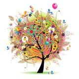 Glücklicher Feiertag, lustiger Baum mit baloons Stockfoto
