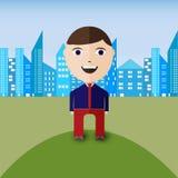Glücklicher Geschäftsmann auf einem Hügel mit Stadtpanorama als Hintergrund Stockfotografie