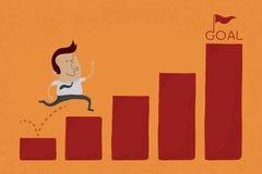Glücklicher Geschäftsmann springen über Diagrammnotfall zum Ziel Stockfoto