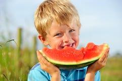 Glücklicher gesunder Junge stockfotos