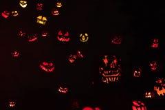 Glücklicher Halloween-Kürbis-Hintergrund stockbild
