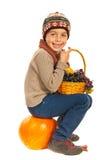 Glücklicher Herbstjunge Lizenzfreies Stockbild