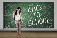 Glücklicher hoher Schüler mit Gekritzeln Lizenzfreie Stockfotos
