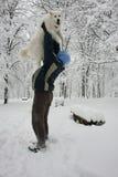 Glücklicher Hund im Schnee Lizenzfreies Stockfoto