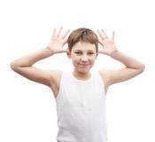 Glücklicher Junge in einem ärmellosen Hemd Lizenzfreies Stockfoto