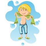 Glücklicher Junge eingewickelt im Badtuch Lizenzfreie Stockbilder