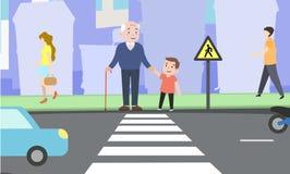 Glücklicher Junge hilft großväterlichem Kreuz die Straße Lizenzfreies Stockbild