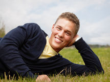 Glücklicher junger Mann Lizenzfreies Stockfoto