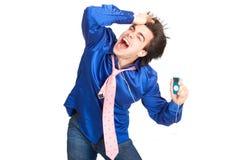 Glücklicher junger Mann mit mp3-player. Stockfoto