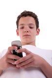 Glücklicher junger Mann am Telefon, stockfotos