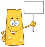 Glücklicher Käse-Karikatur-Maskottchen-Charakter, der ein leeres Zeichen hält Stockfotos