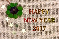 Glücklicher Klee und Sterne für neues Year& x27; s Eve 2017 Stockbild