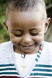 Glücklicher kleiner Junge Stockfoto