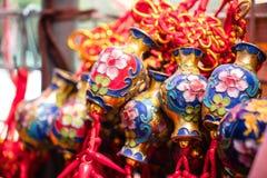 Glücklicher Knoten, Vermögensschlüsselringverzierung für Dekor des Chinesischen Neujahrsfests Stockfoto