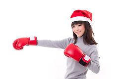 Glücklicher, lächelnder Sankt-Hut der Frau tragender Weihnachts, Boxhandschuhe Stockbild