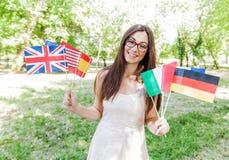 Glücklicher Student Learning Languages lizenzfreie stockfotos