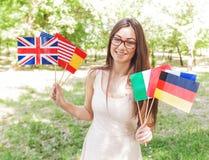 Glücklicher Student Learning Languages lizenzfreie stockbilder