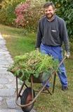 Glücklicher und lächelnder Gärtner Lizenzfreies Stockfoto