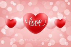 Glücklicher Valentinsgruß-Tag feiern Hintergrund mit handgeschriebener Wort Liebe und realistischen Herzen 14. Februar Urlaubsgrü Lizenzfreie Stockfotos