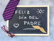 Glücklicher Vater ` s Tagestext in den Spanisch- und Geschenkideen lizenzfreies stockbild