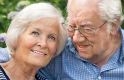 Glückliches älteres Paarportrait 6 Stockfotos
