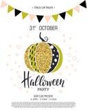 Glückliches Halloween Einladung an Partei mit nettem bezauberndem funkelndem Kürbis Auch im corel abgehobenen Betrag Design für d Stockbilder