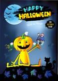 Glückliches Halloween, Kürbismädchen mit Kuchen, blauer Hintergrund Lizenzfreies Stockfoto