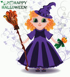 Glückliches Halloween Kleine Hexe mit Kürbispuppe Lizenzfreie Stockfotos