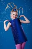 Glückliches Karnevalsmädchen stockfoto
