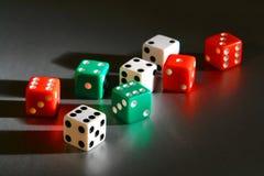 Glückliches Kasino scheißt Würfel für Schießen-spielendes Spiel Lizenzfreies Stockbild