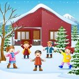Glückliches Kind, das im schneienden Dorf singt stock abbildung
