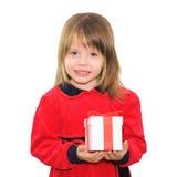 Glückliches Kindermädchen, das Geschenkbox anhält stockbild
