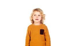 Glückliches kleines blondes Kind-whith gelbes Trikot Stockbild