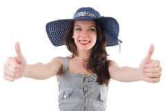 Glückliches Mädchen im Sommerkleid und -hut an lokalisiert lizenzfreie stockfotografie