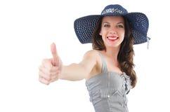 Glückliches Mädchen im Sommerkleid und -hut an lokalisiert lizenzfreie stockbilder