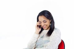 Glückliches Mädchen am Telefon Lizenzfreie Stockfotografie