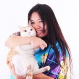 Glückliches Mädchen und Katze Stockfotografie