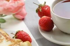 Glückliches Morgenfrühstück stockfotografie