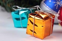 Glückliches neues Jahr Orange und blaue Kästen Stockbild