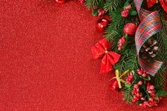Glückliches neues Jahr und frohe Weihnachten Rothintergrund des neuen Jahres lizenzfreie stockfotografie
