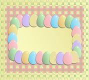 Glückliches Ostern-Grußgutschein-Gelbrosa Stockbilder